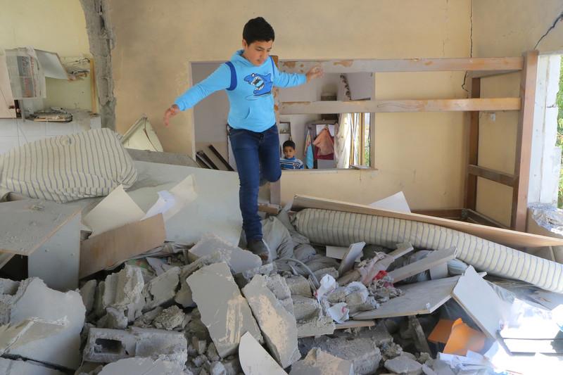 Demolizioni di case punitive di Israele hanno lasciato senza casa decine all'inizio di questo mese. Ahmad Al-Bazz Activestills