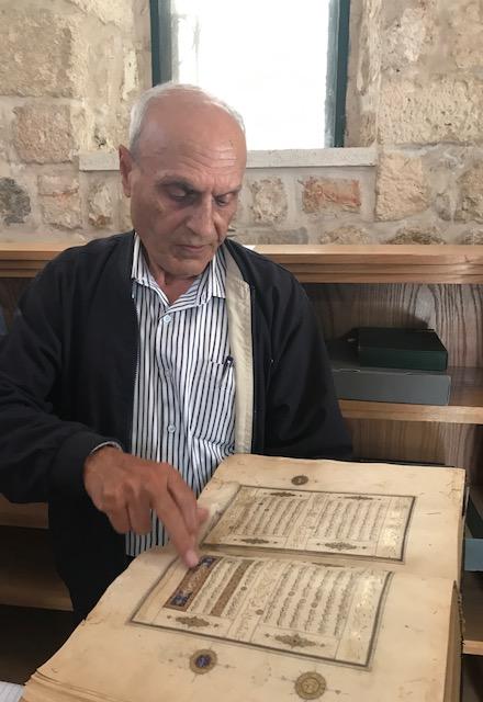 Il bibliotecario Khader Salameh